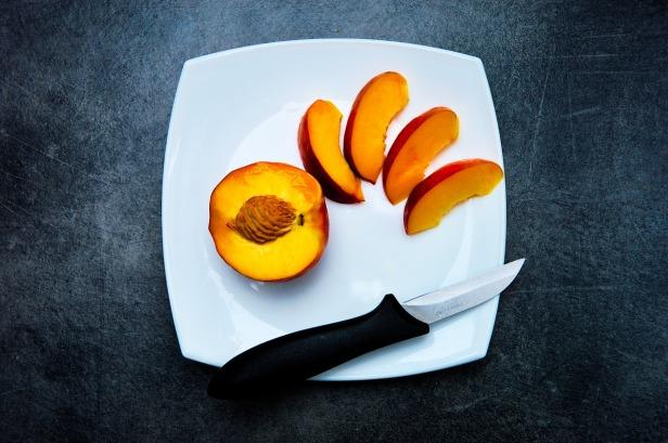 peach-932777_1280-2